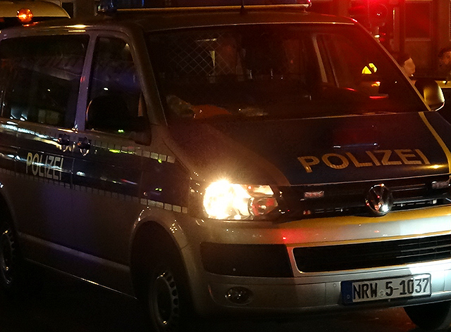 polizei-bulli-links